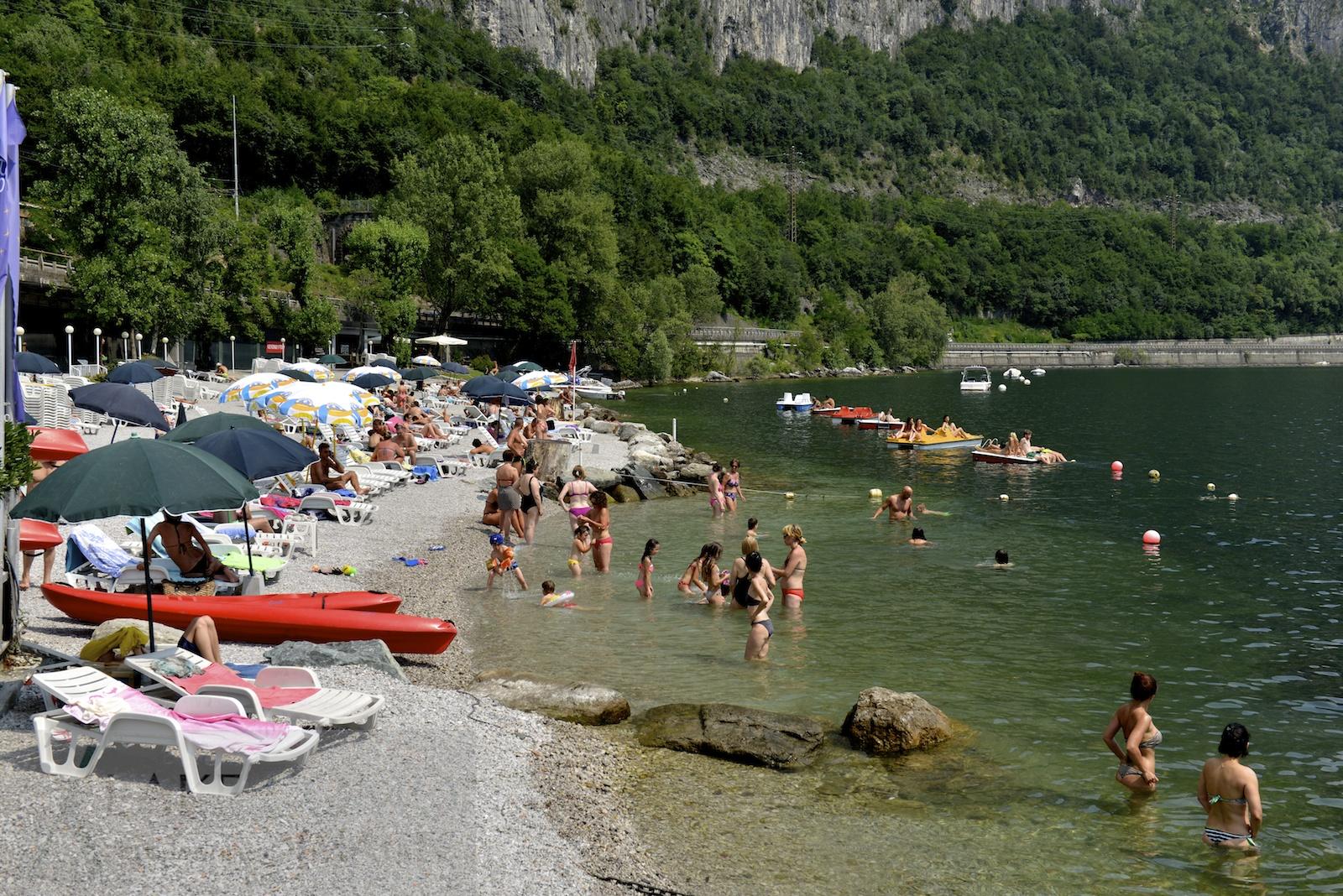 Lecco _tempo di bagni _ la spiaggia dell\'Orsa Maggiore - Lake Como ...
